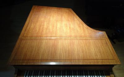 A VENDRE RARE PIANO 1/4 QUEUE PLEYEL 3bis 6 PIEDS EN CITRONNIER Entièrement restauré dans nos Ateliers